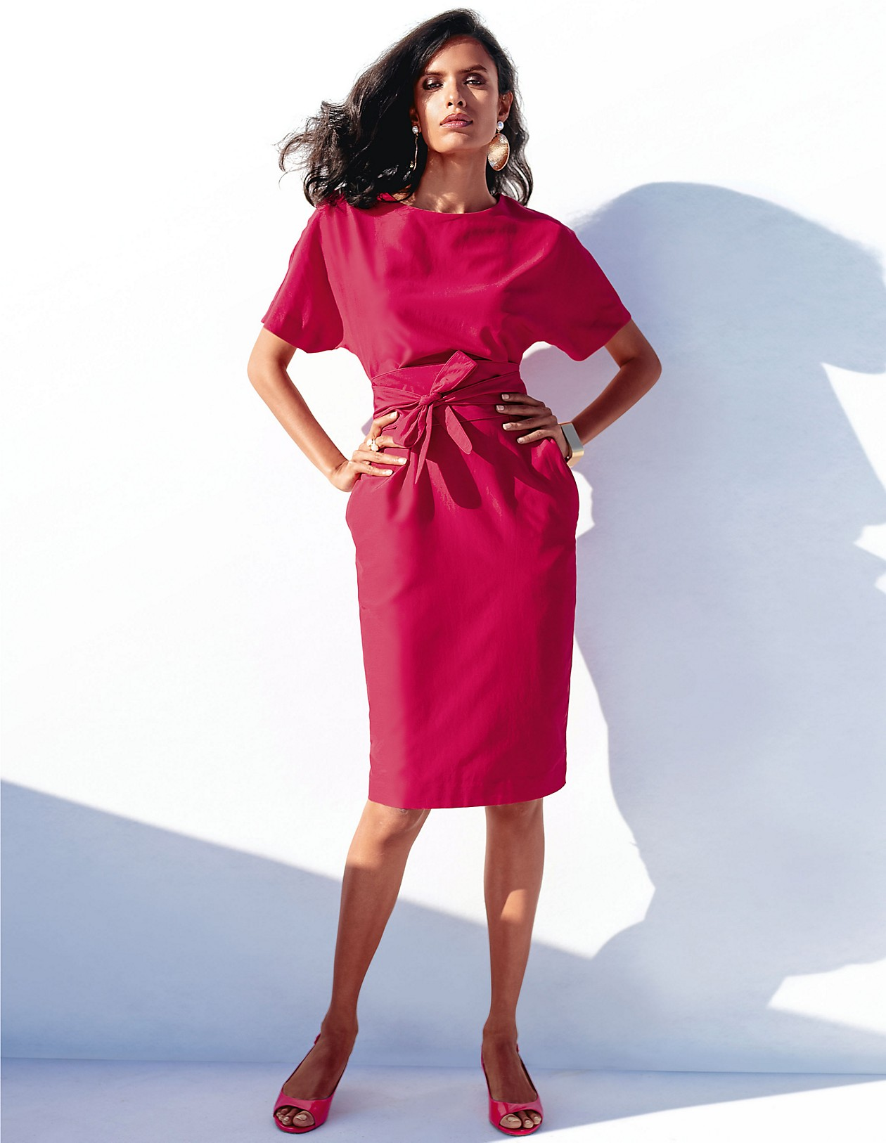 Elegantes Kleid mit separatem Bindeband, himbeerpink, rot